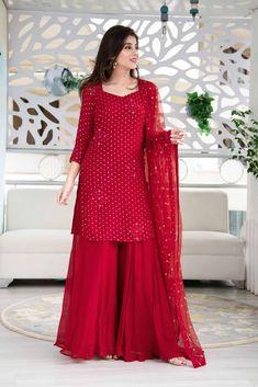 Party Wear Indian Dresses, Pakistani Fashion Party Wear, Designer Party Wear Dresses, Indian Gowns Dresses, Indian Bridal Outfits, Dress Indian Style, Indian Fashion Dresses, Indian Designer Outfits, Net Dresses