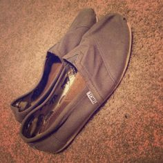 Tom's Gently worn Tom's. Still have a lot of life left to them. Will wash before sending.  9.5 W TOMS Shoes