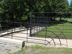 Our traditional estate fencing and gates are ideal for use as a continuous boundary fence in parkland, paddocks, deer parks, estates or estate grounds.