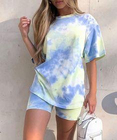 Grunge Look, Soft Grunge, Tie Dye Shirts, Dye T Shirt, Blue Tie Dye Shirt, Diy Shirt, Moda Tie Dye, Ty Dye, Tie Day