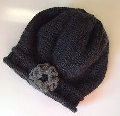 darling hat! pattern free on ravelry