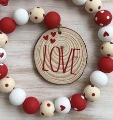 Christmas Bead Garland, Wood Bead Garland, Beaded Garland, Fall Garland, Garlands, Valentine Box, Valentine Day Crafts, Valentine Decorations, Holiday Crafts