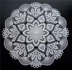 Home Decor Crochet Patterns Part 64 - Beautiful Crochet Patterns and Knitting Patterns Crochet Dollies, Crochet Doily Patterns, Crochet Mandala, Crochet Art, Crochet Home, Thread Crochet, Filet Crochet, Crochet Designs, Crochet Crafts