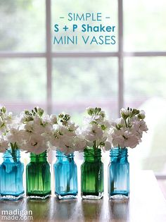 DIY dollar tree decor. Salt and pepper shaker vases. In the kitchen window perhaps?
