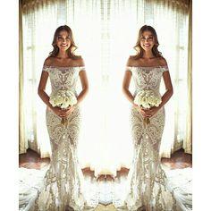 Mais uma inspiração linda para novinhas que querem fugir do tradicional ❤❤❤❤ #casamento #wedding #bride #noiva #amor #love #casandinho #madrinha #bridesmaid #dress #vestidodenoiva #bridaldress #bridal #ideias #dicas
