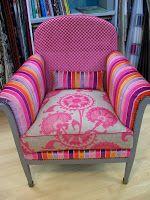 Deux fauteuils des Années 40 ,relooker au Années 2013,  la teinte du bois a été revue avec une peinture gris lin  trois tissu on ...