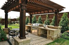 Cooking outdoors at Outdoor Kitchen brings a different sensation. We can use our patio / backyard space to build outdoor kitchen. Outdoor kitchen u. Backyard Kitchen, Outdoor Kitchen Design, Backyard Bbq, Summer Kitchen, Outdoor Kitchens, Backyard Seating, Backyard Layout, Outdoor Kitchen Bars, Tropical Backyard