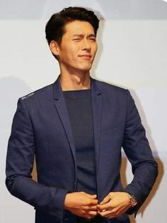 Korean Celebrities, Korean Actors, Celebs, Hyun Bin, Korean Drama Funny, Lee Minh Ho, Netflix, Famous Movies, Kdrama Actors