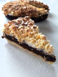 Fit Pleśniak - z masą kakaową na bazie daktyli, dżemem z czarnej porzeczki, bez cukru, bez glutenu. Sprawdź inne zdrowe i lekkie desery na PolandGetFit.pl