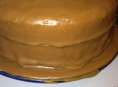 I always had trouble making caramel icing before I got this recipe from a friend's mother. Putting the cold butter in last made all the difference for me. It tastes so good too! Cake Old Timey Caramel Icing Caramel Cake Icing, Carmel Icing, Carmel Cake, Cooked Caramel Icing Recipe, Desserts Caramel, Chocolate Icing, Caramel Recipes, Homemade Caramel Icing Recipe, Old Fashioned Caramel Icing Recipe