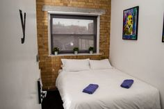 Our private double rooms are the perfect option if you want a bit of privacy - and they won't cost you a fortune! Located on the top floor of our hostel, all of them have a TV, kettle and coffee. They are quiet and guarantee you a good night's sleep. Stylish and self-contained, it's all you could ask for!