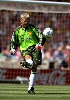 Peter Schmeichel of Man Utd in 1998.