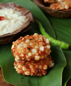 Sabudana Vadas are a traditional and beloved Maharashtrian snack of deep fried crispy patties made of sago pearls, served with a coconut chutney. Green Chutney Recipe, Coconut Chutney, Chutney Recipes, Indian Appetizers, Indian Snacks, Indian Food Recipes, Vegetarian Recipes, Sago Recipes, Kebab Recipes