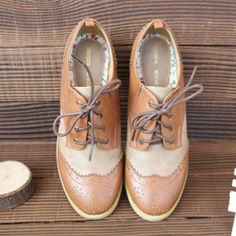 Image of [grzxy61900277]Vintage Punch Hole Lace Up Wingtip Low Flats Oxford Shoes