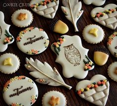 Trendy Decorated Sugar Cookies with Owls and Feathers Spice Cookies, Fancy Cookies, Yummy Cookies, Cupcake Cookies, Mint Lemonade, Iced Sugar Cookies, Paint Cookies, Thanksgiving Cookies, Fall Cakes
