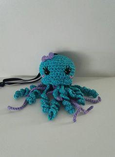 Petite pieuvre pailletés turquoise Crochet Amigurumi, Crochet Hats, Kawaii, Turquoise, Octopus, Crochet Necklace, Baby, Unique Jewelry, Animaux