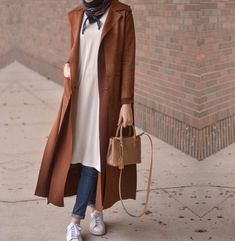New Hijab Fashion : long camel coat hijab-New winter hijab fashion looks – Just Trendy Girls Modern Hijab Fashion, Street Hijab Fashion, Hijab Fashion Inspiration, Islamic Fashion, Abaya Fashion, Muslim Fashion, Modest Fashion, Fashion Outfits, Style Inspiration