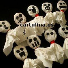 http://cartulina.es/decoracion-de-halloween-con-dulces/