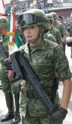 Estilo Chola, Female Soldier, Navy Seals, Badass, Army, Mexican Army, Gun Closet, Military Girl, Firefighters