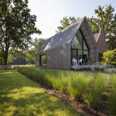 Best Ideas For Modern House Design : – Picture : – Description Woning HV by Iglesias Leenders Bylois architecten Modern Barn House, Modern House Design, Modern Wooden House, Wooden Houses, Residential Architecture, Architecture Design, House In The Woods, Future House, Building A House