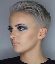 There is Somthing special about women with Short hair styles. I'm a big fan of Pixie cuts and buzzed. Superkurzer Pixie, Pixie Cut Wig, Pelo Pixie, Pixie Cuts, Very Short Hair, Short Hair Cuts, Short Hair Styles, Pixie Hairstyles, Pixie Haircut