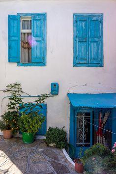 Windows in Samos Island, Manolates, Aegean_ Greece Beautiful Islands, Beautiful World, Beautiful Places, Lovely Things, Travel Around The World, Around The Worlds, Cool Doors, Greece Travel, Travel Europe