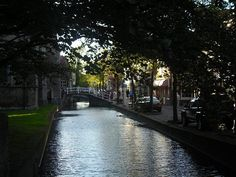 A charming afternoon in Delft.