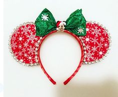 Christmas Craft: Bead and Pipe Cleaner Ornaments – Get Ready for Christmas Disney Minnie Mouse Ears, Diy Disney Ears, Disney Bows, Disney Diy, Mickey Ears, Disney Crafts, Disney Stuff, Mickey Christmas, Christmas Crafts