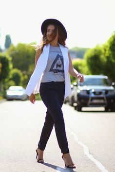Cum purtam pantalonii office cu dungi | Sandra Bendre
