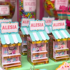 Love these treat boxes! Happy Birthday Cakes, 4th Birthday Parties, 2nd Birthday, Star Theme Party, Party Themes, Chocolates, Birthday Backdrop, Vintage Candy, Ice Cream Party