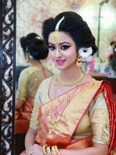 Bridal Jewelry A Wedding Tradition Indian Wedding Bride, Bengali Wedding, Bengali Bride, Bengali Bridal Makeup, Indian Bridal Fashion, Bridal Hair And Makeup, Beautiful Indian Actress, Beautiful Bride, Kerala Saree Blouse Designs