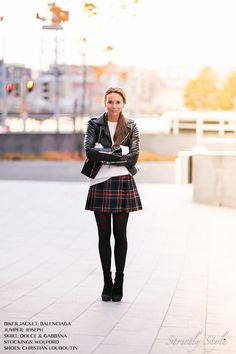 tartan skirt Unique Outfits, Cool Outfits, Skirt Outfits, Autumn Winter Fashion, Winter Ootd, Winter Style, Style Blog, My Style, Daily Style