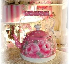 enchanted-barnowlkloof:  I love the kettle♥