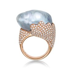 The Bespoke Wave by BELPEARL. Perched above this 18kt rose gold and paved setting, This dramatic silver-grey baroque pearl measures 18x22mm. Custom crafted.