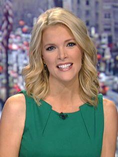 Megyn Kelly, Fox News Anchor, Says 'Santa Just Is White' - uInterview Fox News Anchors, Beautiful People, Beautiful Women, Megyn Kelly, Celebrity Wallpapers, Celebs, Celebrities, Classy Women, Hair Hacks