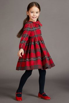 Dolce Gabbana back to school 2017 - Fannice Kids Fashion - Cute Outfits Black Kids Fashion, Kids Fashion Blog, Girl Fashion, Fashion 2020, Fashion Clothes, Kids Winter Fashion, Fashion Fashion, Fashion Design, Fashion Trends