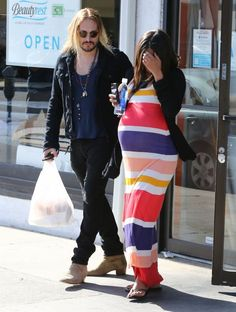 Pregnant actress Zoe Saldana and husband Marco Perego stop for breakfast on November 24, 2014 in Los Angeles, California.