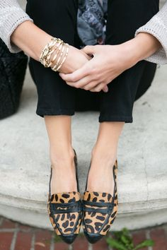 The Simply Luxurious Life: Style Inspiration: Shorts, Stripes, Leopard & Blue Motif Leopard, Leopard Print Loafers, Leopard Shoes, Leopard Prints, Leopard Outfits, Leopard Fashion, Look Fashion, Fashion Models, Fashion Shoes