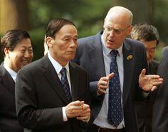 Henry Paulson with Wang Qishan in 2008.Photographer: Dennis Brack/Bloomberg