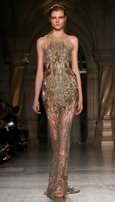 This will be worn to an award shoe this year.  Julien Macdonald Fall/Winter 2014 #LFW
