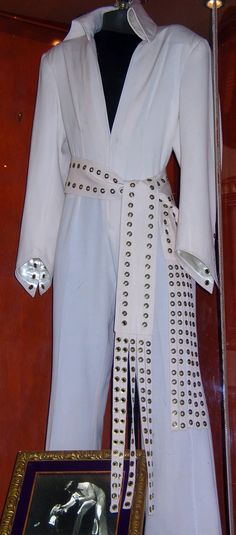 The Metal Eye jumpsuit. From the September 1970 tour.
