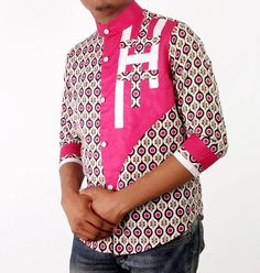 Top Latest Ankara Styles For Men Latest Ankara Styles For Men 2018 What do you think about Ankara Fashion Styles? This is one of the customary African styles that have turned out to be extremely trendy. The roads of Lagos have made Ankara on African Shop, African Fashion Ankara, African Inspired Fashion, African Clothing For Men, African Shirts, Mens Clothing Styles, Ankara Styles For Men, Latest Ankara Styles, Ankara Tops