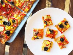 Odată ce vei încerca aceasta rețetă simplă de pizza cu legume, nu vei mai comanda acasă pizza niciodată. Este delicioasă, ai control asupra calitățății ing