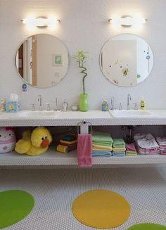 Bathroom Kids Bathroom Design, Pictures, Remodel, Decor and Ideas Kid Bathroom Decor, Childrens Bathroom, Simple Bathroom, Bathroom Interior, Modern Bathroom, Bathroom Designs, White Bathroom, Bathroom Wall, Duck Bathroom
