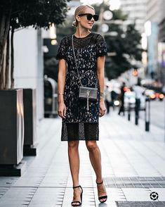 Pretty lace dress for the holidays Holiday Outfits, Fall Outfits, Fashion Jackson, Layering Outfits, Short Sleeve Dresses, Lace Dresses, Autumn Fashion, Street Style, How To Wear