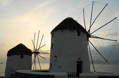 Fotos de Viagem à Grécia: os moinhos de vento de Mykonos formam uma das paisagens tradicionais dessa ilha da Grécia. Veja outras imagens da viagem pelo país, que passou também por Rhodes, Santorini, Atenas, Zakynthos e Meteora.