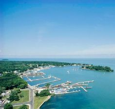 Things to do on Ohio's Lake Erie shore include Cedar Point Amusement Park, Ottawa National Wildlife Refuge, Kelleys Island, Put-in-Bay and Marblehead Lighthouse State Park.