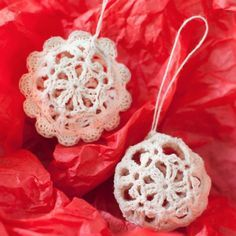 Crochet Ornaments: 27 Free Christmas Patterns | These homemade Christmas ornaments are such fun crochet projects for winter.