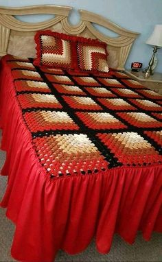 1 million+ Stunning Free Images to Use Anywhere Crochet Bedspread Pattern, Granny Square Crochet Pattern, Afghan Crochet Patterns, Crochet Squares, Crochet Motif, Bed Cover Design, Designer Bed Sheets, Lace Bedding, Granny Square Bag