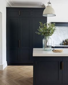 These Dark Kitchen Cabinet Ideas Will Change the Way You Plan Kitchen Remodel . These Dark Kitchen Cabinet Ideas Will Change the Way You Plan Kitchen Remodel – Nu Kitchen Design Black Kitchen Cabinets, Black Kitchens, Home Kitchens, Kitchen Black, Kitchen Walls, Tall Cabinets, Modern Marble Kitchens, Gray Kitchen Paint, White Cabinets